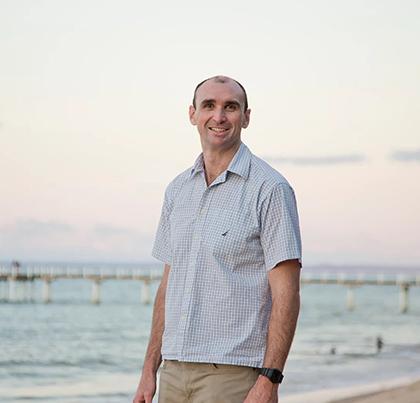 Dr Chris Wollard